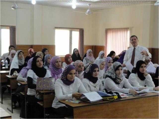 auge y declive Estudiantes iraquíes en la universidad de Bagdad en 2011